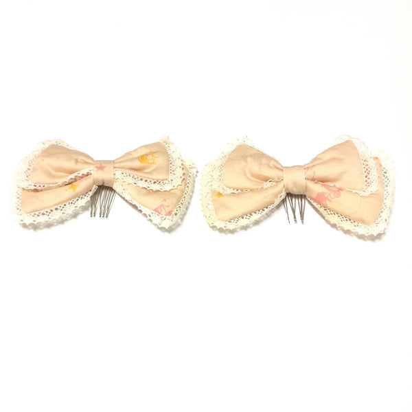 Lace and Print Hair Combs in Beige