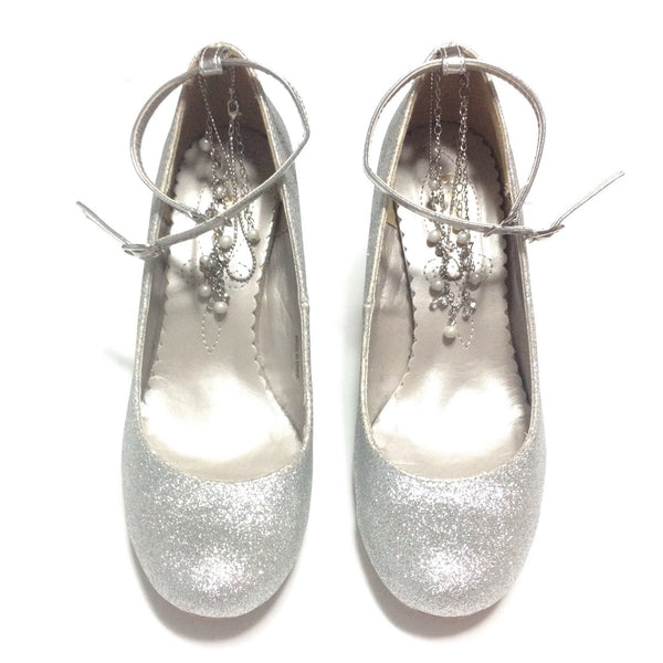 Pearl and Rhinestone Chain Glitter High Heeled Shoes in Silver from Axes Femme