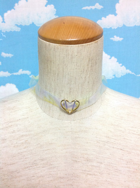 Transparent Heart Symbol Choker in Gold