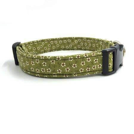 Rubio Rules | Green Lily Collar with Bow Tie | Dog Supplies