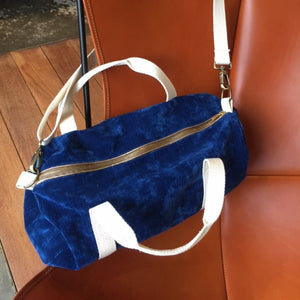 Sac a main en velours esprit Bowling, Made in France.