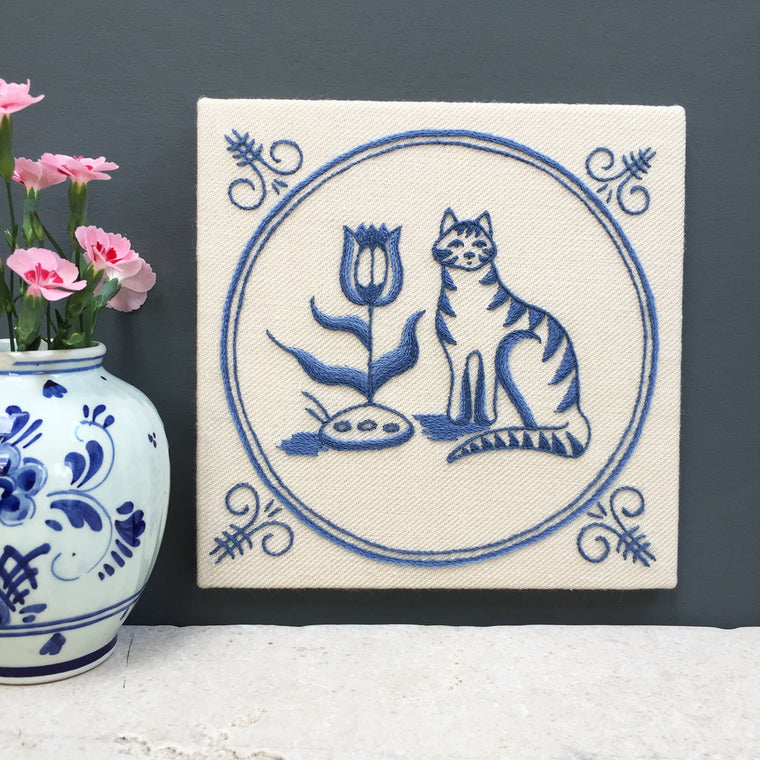 Heritage Range (Delftware) Cat & Tulip Crewel Embroidery Kit