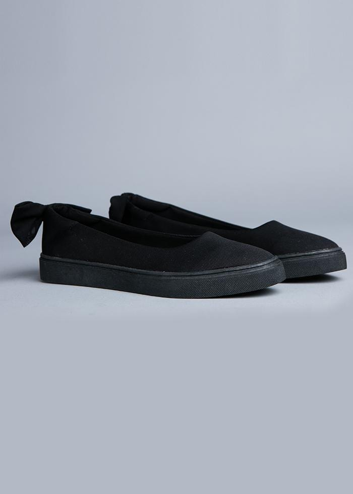 Girls Black Perfect Plimsole with Bow