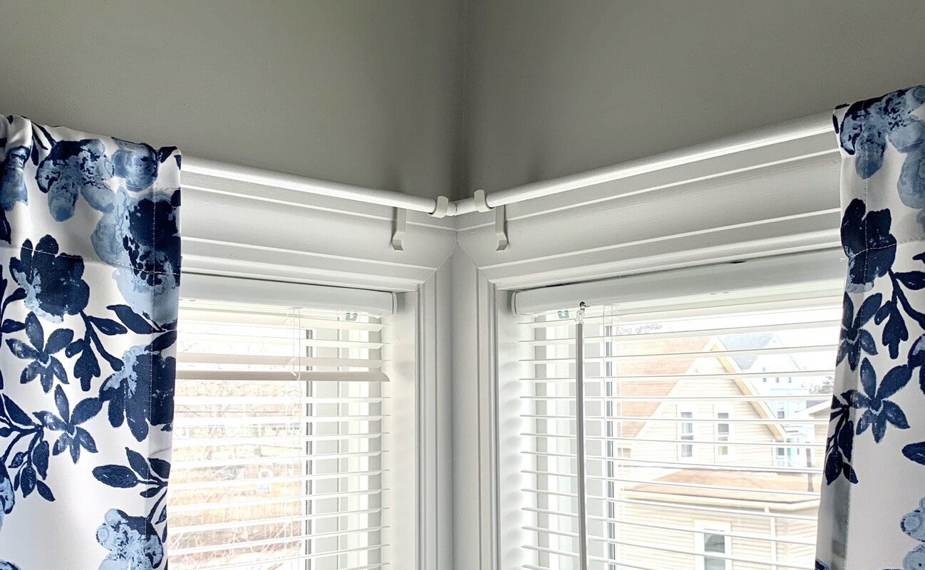 corner window setup