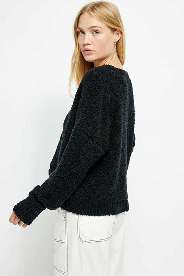 Free People Finders Keepers V-Neck Sweater || Black or Athens Moss