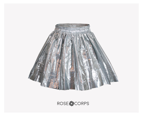 METALLIC SILVER LAME PLEATED SKIRT