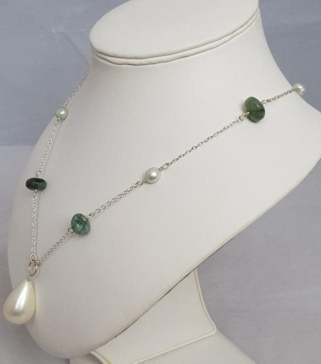 Mixtures of green necklace