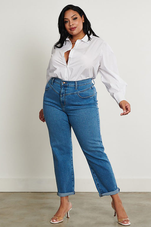 Edie Plus-Size Mom Jeans on model wearing white shirt and posing- Belle and Broome