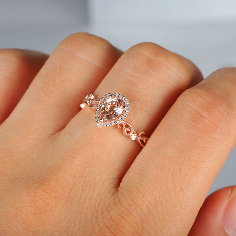 Balacia:0.5 Carat Morganite Engagement Ring