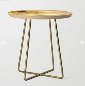Table d'appoint - Une fleur sur la table