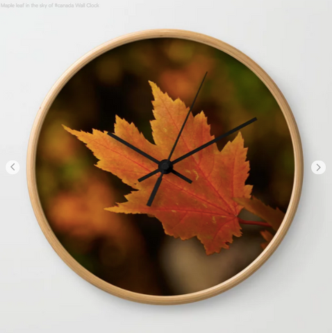 Wall clock - Maple leaf in the sky of Canada