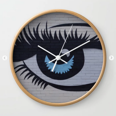 Wall clock - The eye in Canada