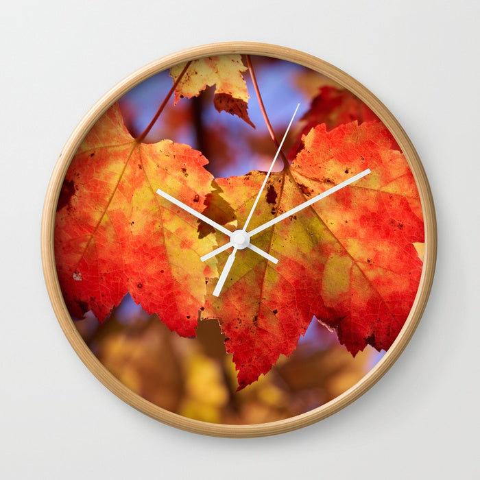 Wall clock - Maple leafs in Canada