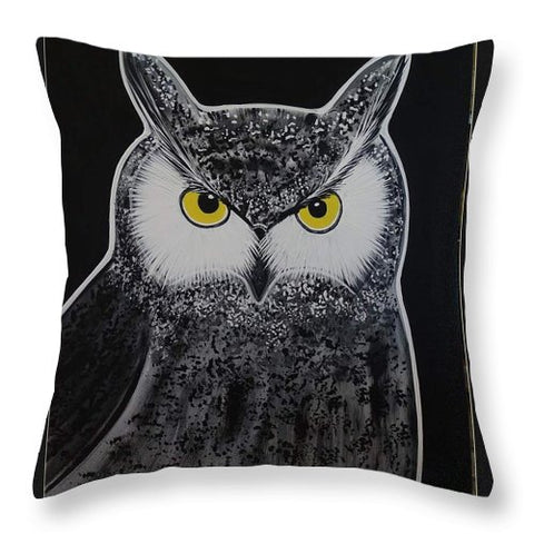 Grand Duc - Throw Pillow