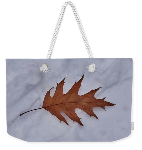 Image of Leaf On The Snow - Weekender Tote Bag - 24 X 16 / White - Weekender Tote Bag