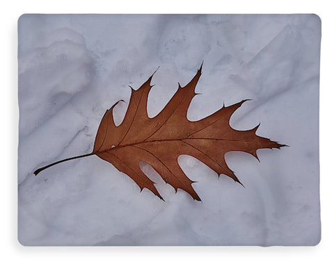 Image of Leaf On The Snow - Blanket - 60 X 80 / Sherpa Fleece - Blanket