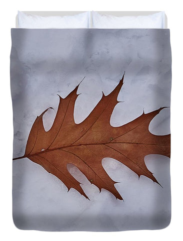 Image of Leaf On The Snow - Duvet Cover