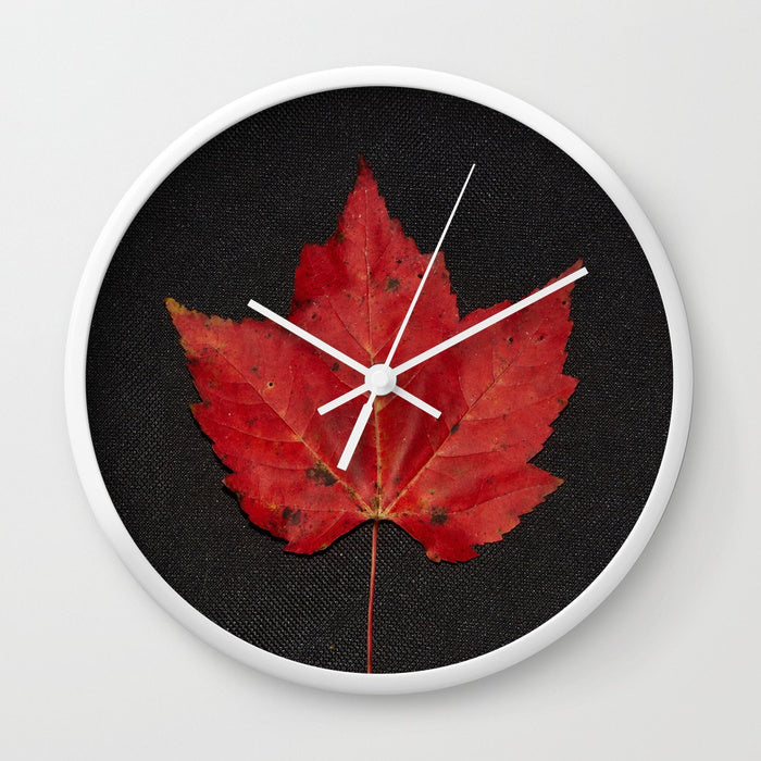 Wall clock - Maple leaf