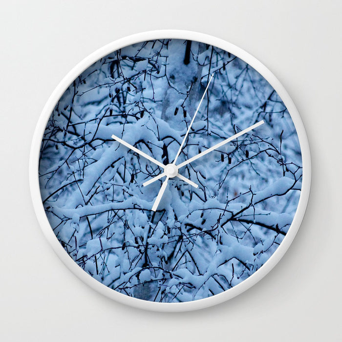 Wall clock - Snow in Canada