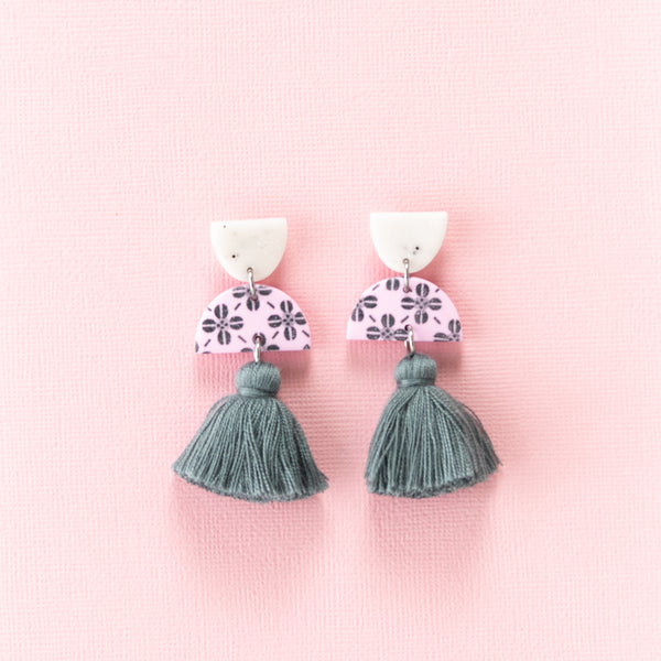 Meave Earrings - Clover Grey