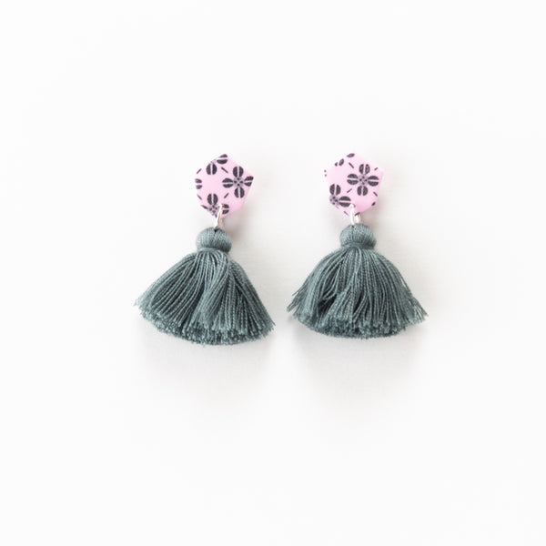 Fleur Earrings - Clover Grey