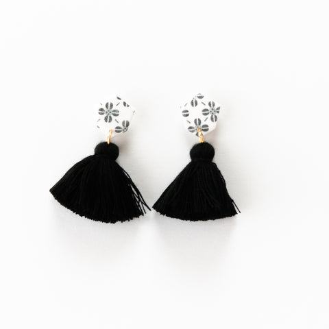 Fleur Earrings - White Clover & Black