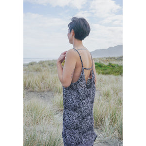 Beach Dress- Ink grey Peony