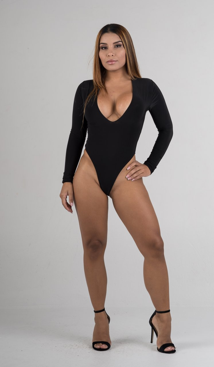 Black Low Cut Long Sleeves Bodysuit - GLISTENSTYLES