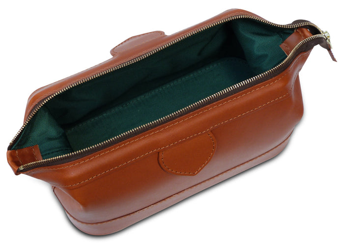 Gladstone Style Tan Leather Washbag