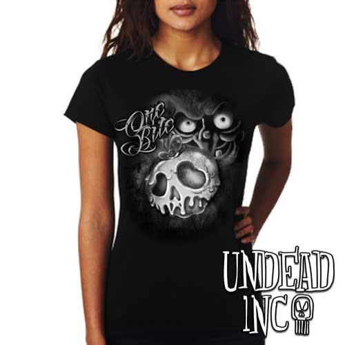 Villains One Bite Poison Apple  - Ladies T Shirt BLACK GREY