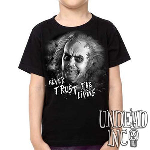 "Tim Burton Beetlejuice ""never trust the living"" Black Grey - Kids Unisex Girls and Boys T shirt Clothing"