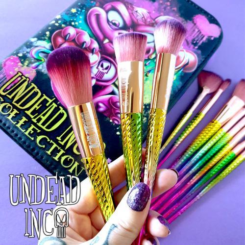 Undead Inc Collection Scare Bear Of Bleeding Hearts Makeup Brush & Case Set Makeup Brushes Undead Inc