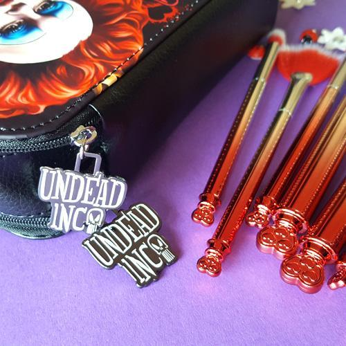 Undead Inc Collection Alice In Wonderland Off With Their Heads - Makeup Brush & Case Set
