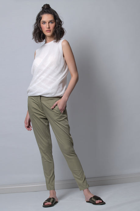 womens slim fit plant with medium rise allbases