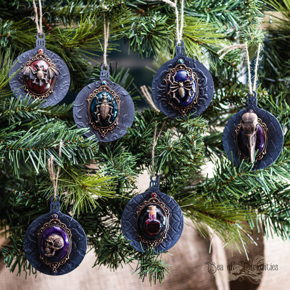 Macabre & Gothic Christmas Decorations - Set 2