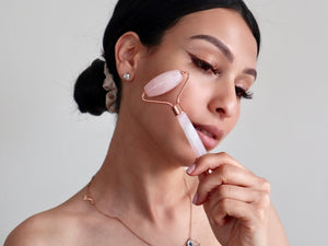 WHY YOU NEED A ROSE QUARTZ FACIAL ROLLER IN YOUR LIFE