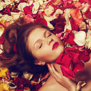Experts Explain the Incredible Benefits of Rose-Hip Oil for Skin