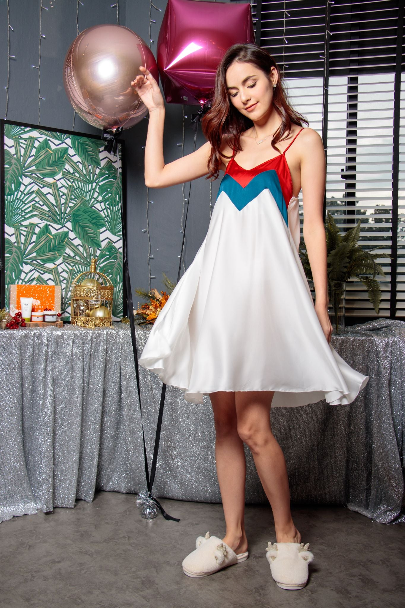Sweetheart Colourblock Swing Dress in Maiden White