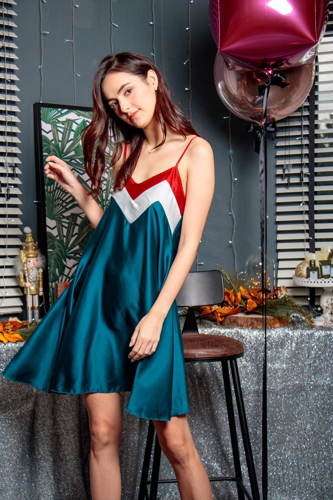 Sweetheart Colourblock Swing Dress in Timeless Teal