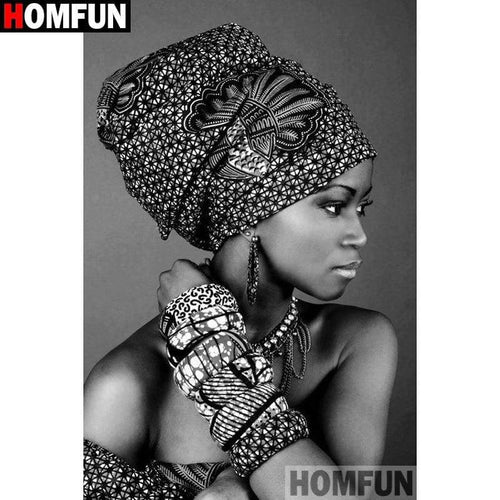 5D Diamond Painting Black and White African Woman Kit