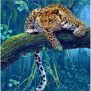 5D Diamond Painting Leopard on the Tree Branch Kit