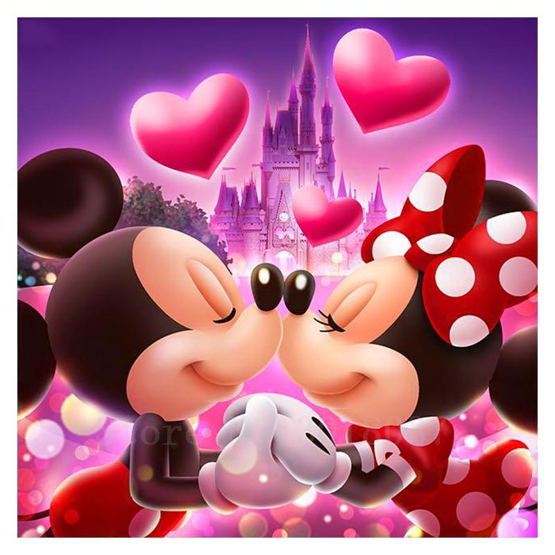 5D Diamond Painting Mickey and Minnie in Love Square Diamond Kit