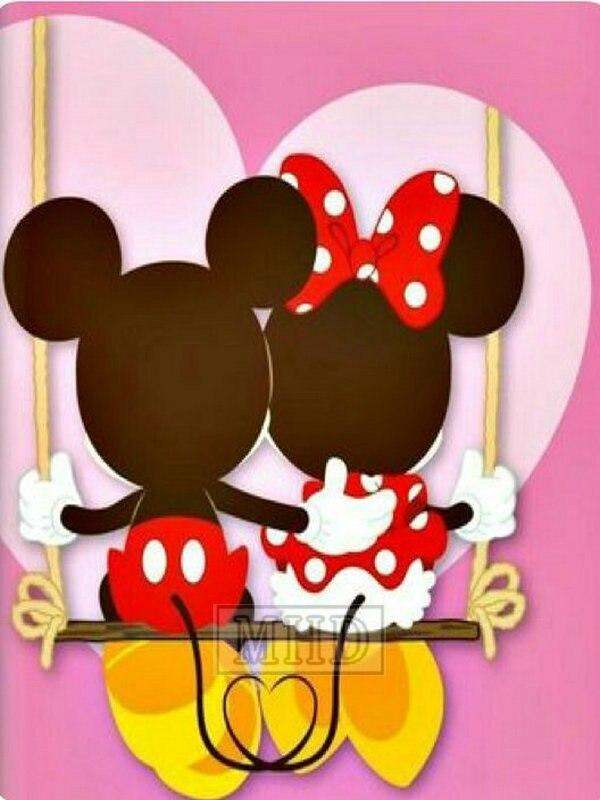 5D Diamond Painting Mickey and Minnie Swing Together Kit