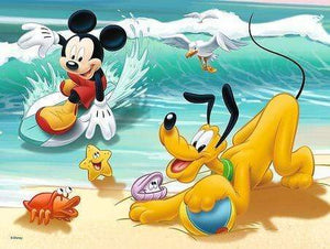 5D Diamond Painting Mickey Mouse and Pluto at the Beach Kit