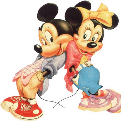 5D Diamond Painting Minnie and Mickey Lean Together Kit