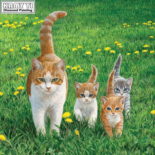 5D Diamond Painting Mother Cat and Kittens in the Grass Kit