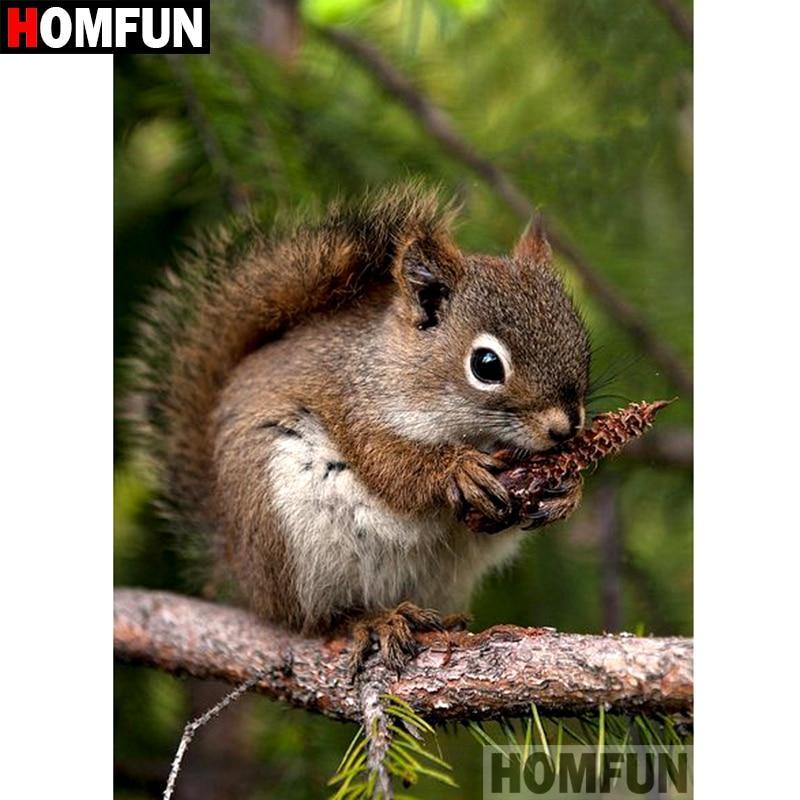 5D Diamond Painting Squirrel Eating a Pine Cone Kit