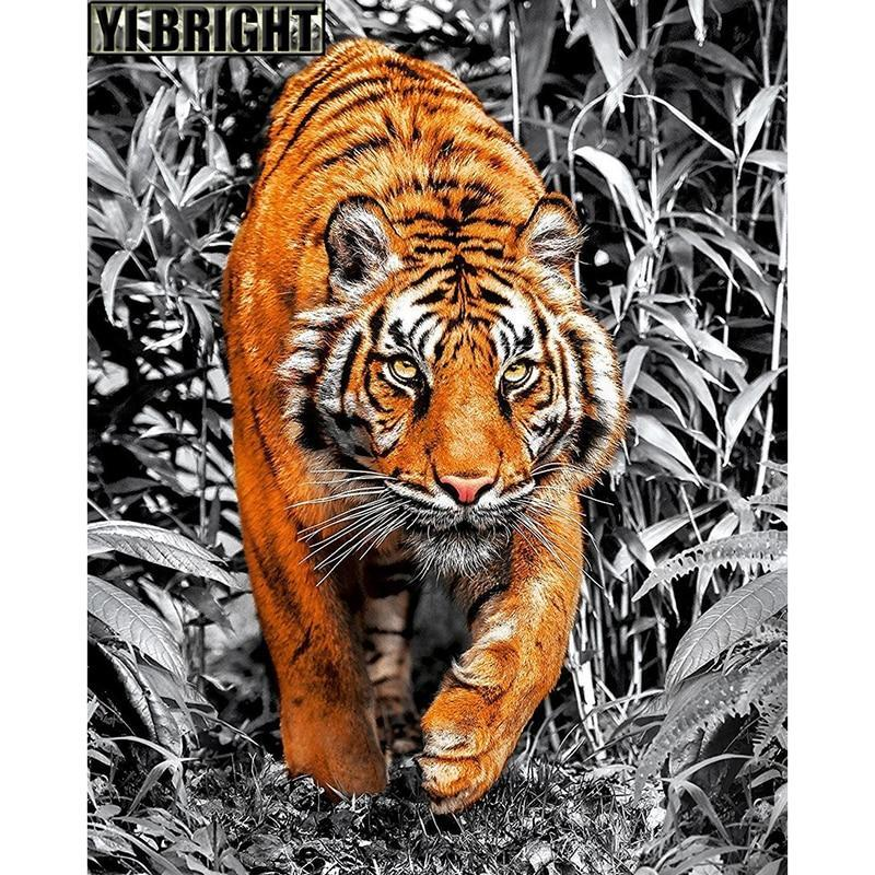 5D Diamond Painting Tiger in the Brush Kit
