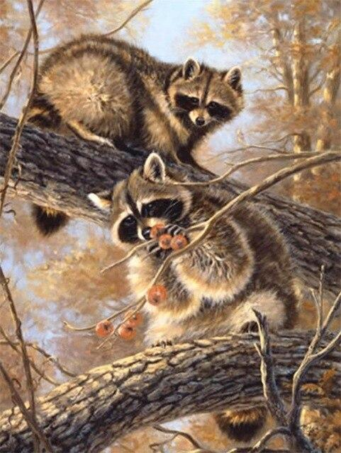 5D Diamond Painting Two Raccoons in the Branches Kit