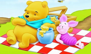 5D Diamond Painting Winnie the Pooh Honey Picnic Lunch Kit